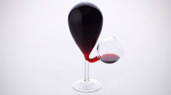 This Wine Glass Has A Reservoir So You Can Drink More, Pour Less Often