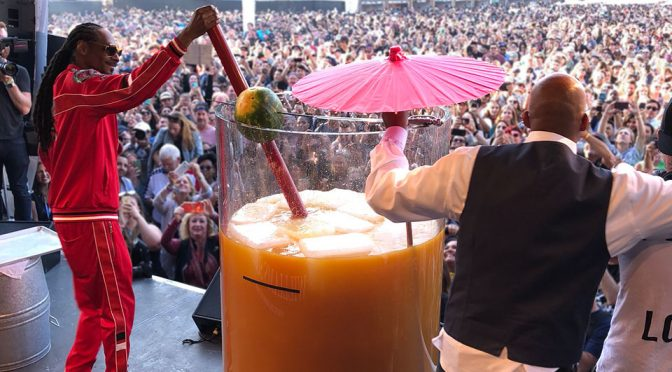 Snoop Dogg Mixes His Way To Guinness World Records With Giant Cocktail