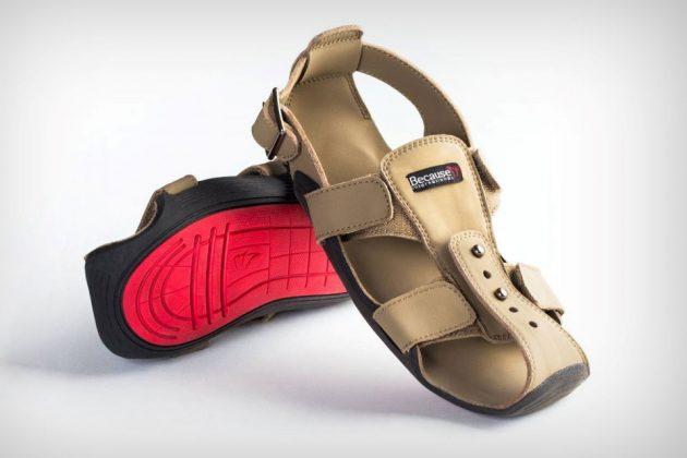 The Shoe That Grows by Kenton Lee