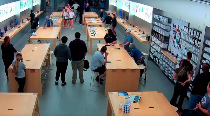 Apple Store Robbed In Front Of Shocked Customers And Employees
