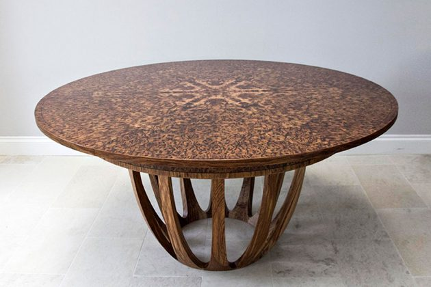 Johnson Furniture Expanding Circular Dinning Table