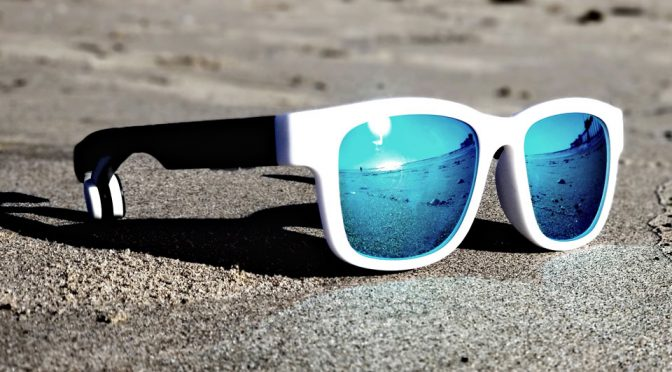 Seesun B:Con Is A Pair Of Sunglasses And A Bone Conduction Headphones