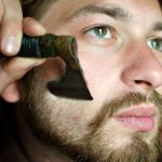 Razor In Mini Axe Form Makes Shaving Even More Manlier