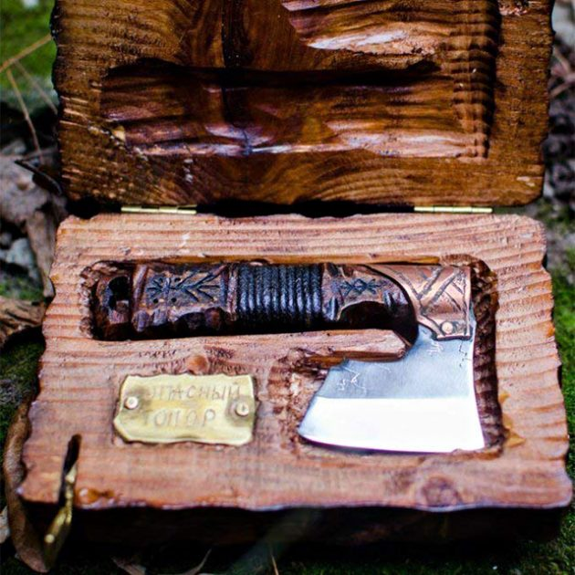 Straight Razor Warrior Axe Shaver