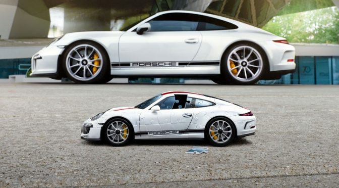 ravensburger collaborates with porsche to create 911 r 3d. Black Bedroom Furniture Sets. Home Design Ideas