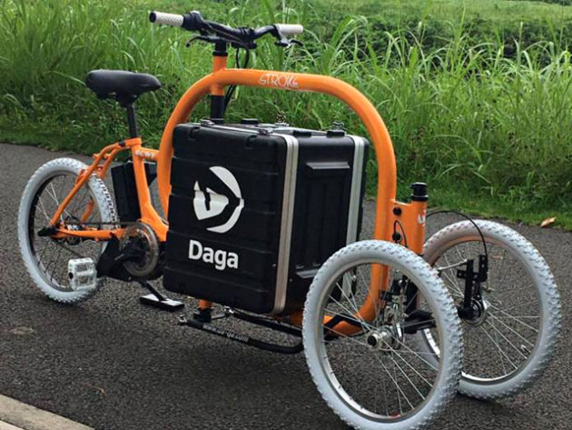 Stroke Tilting Electric Cargo Tricycle by Daga