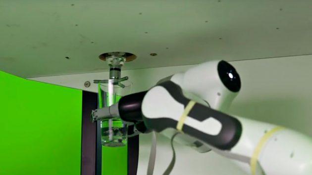 Yanu AI-powered Robotic Bartender