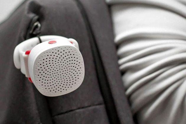 ManInWhite Mini Wearable Bluetooth Speaker