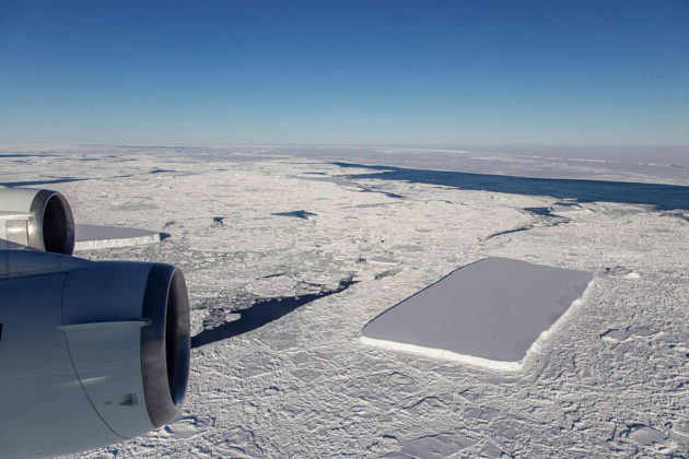 Rectangular Icebergs in Antarctica