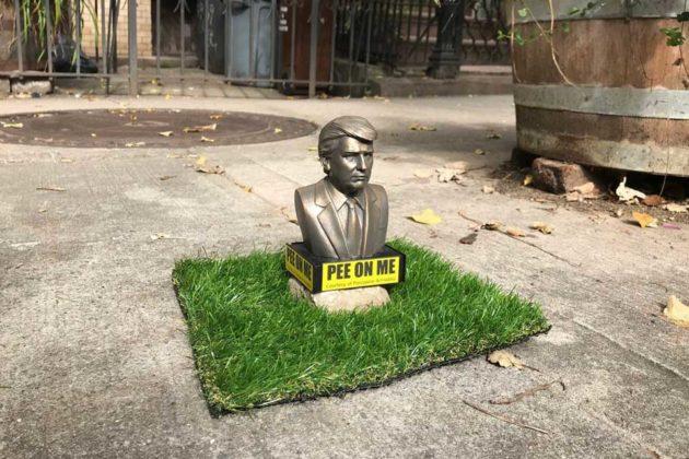 Trump Pee-On-Me Statuettes
