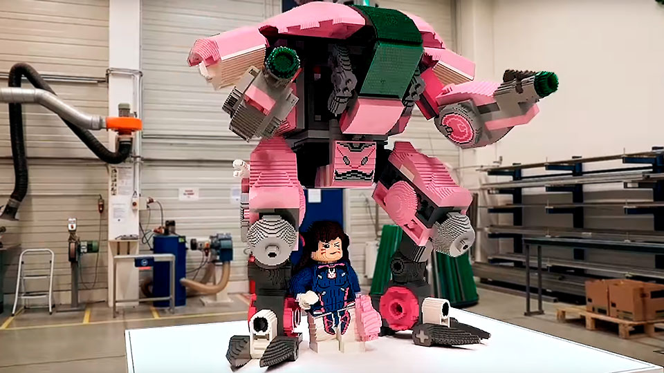 9' LEGO Overwatch D.Va Sculpture