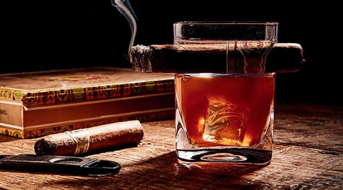Whiskey Glass With Built-in Cigar Holder Is Pure Genius Or What?