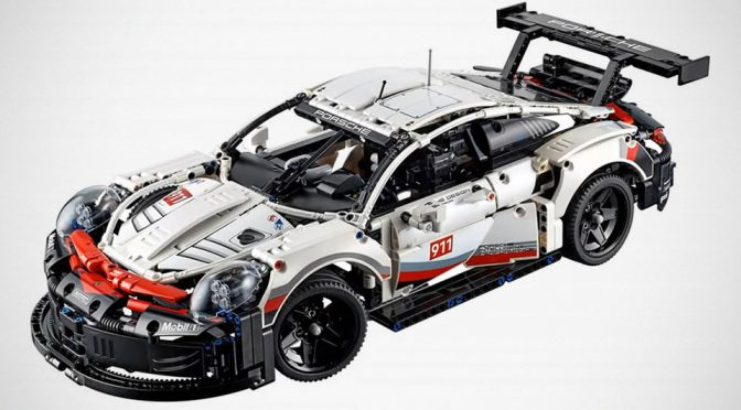 LEGO Technic Porsche 911 RSR Looked Like The <em>Terminator</em> Of Porsche