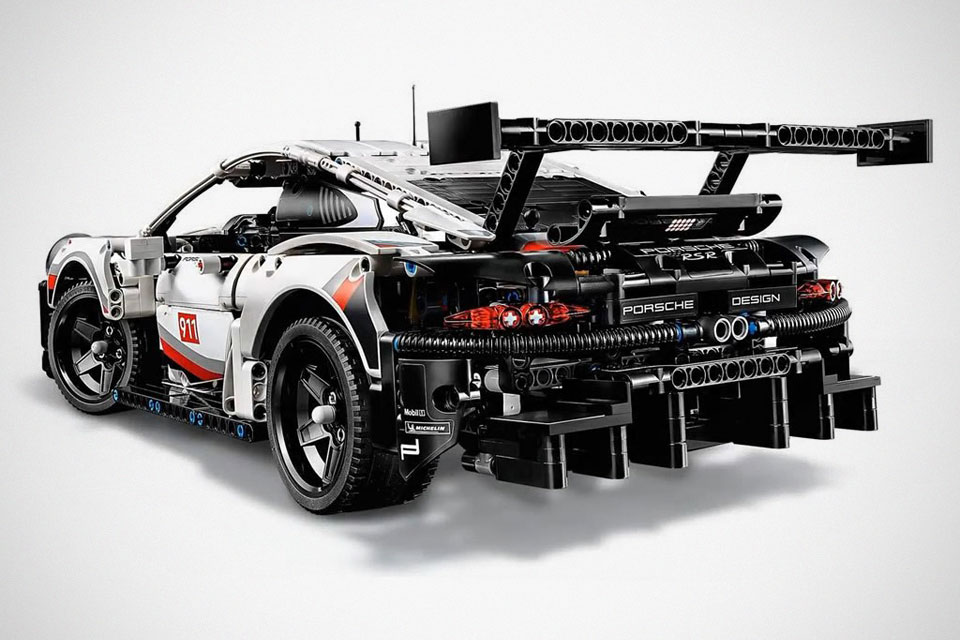 lego technic porsche 911 rsr looked like the terminator of porsche shouts. Black Bedroom Furniture Sets. Home Design Ideas