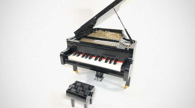 Playable LEGO Grand Piano Totally Need To Be An Official LEGO Set