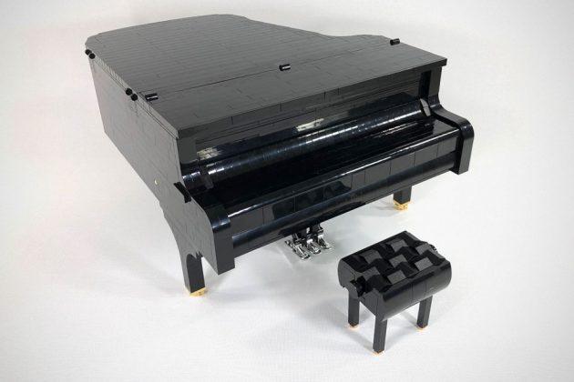 Playable LEGO Grand Piano by SleepyCow