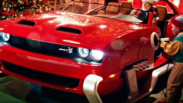 Santa Dodge Challenger SRT Hellcat Redeye Sleigh