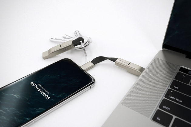 High Five Compact 5-in-1 Charging Cable