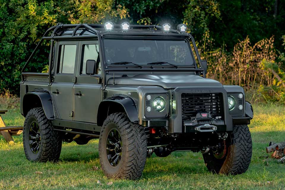 himalaya s latest custom land rover defender 110 is an off road luxury with 525 corvette. Black Bedroom Furniture Sets. Home Design Ideas