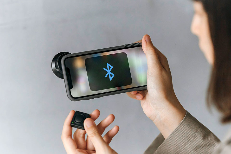 Bitplay Snap Case with Bluetooth Shutter
