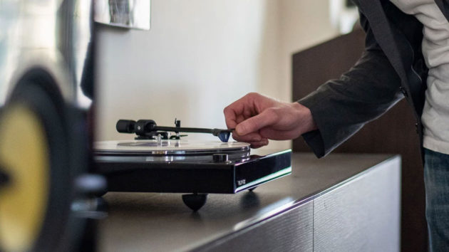Fluance RT85 High-Fidelity Turntable
