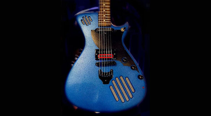 GuitarmaDillo Self-amplified Electric Guitar