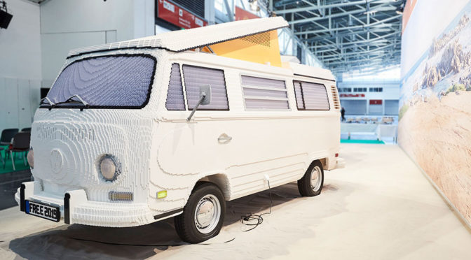 Replica Of Iconic Volkswagen T2 Made Of 400,000 LEGO Bricks Revealed