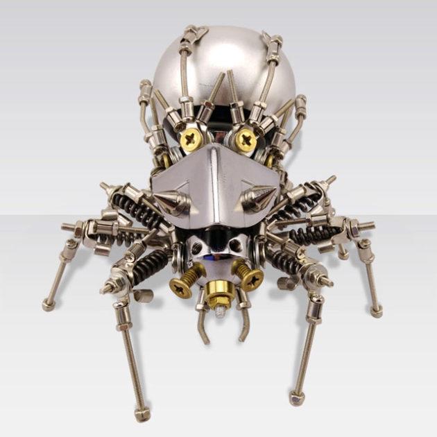 Mechanical Spider Bluetooth Speaker