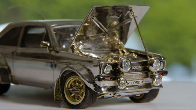 1:25 Scale Silver Gold and Diamonds Ford Escort