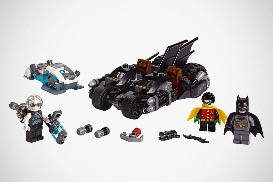LEGO 76118 Mr. Freeze Batcycle Battle