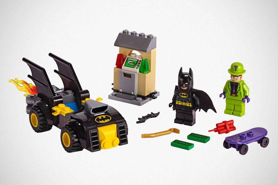 LEGO 76137 Batman vs. The Riddler Robbery