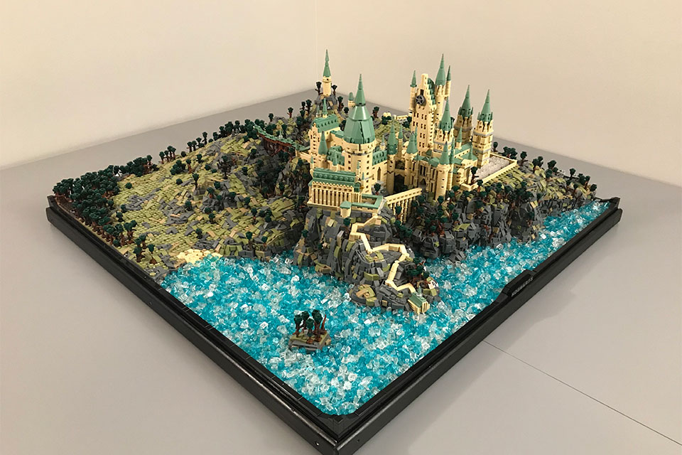 Micro Scale Lego Hogwarts That Packs 75k Pieces Is Utterly