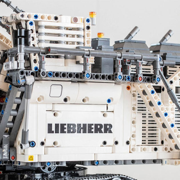 LEGO Technic 42100 Liebherr R 9800 Set