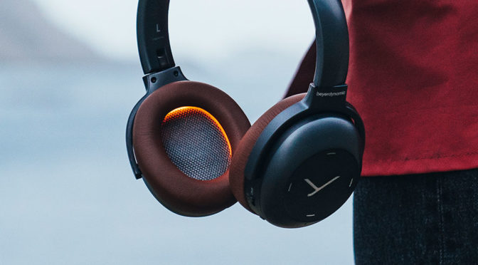 This Beyerdynamic Headphones Has Status Light Inside The Ear Cups