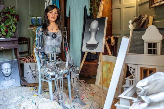 Ultra-realistic Humanoid AI Robot Artist