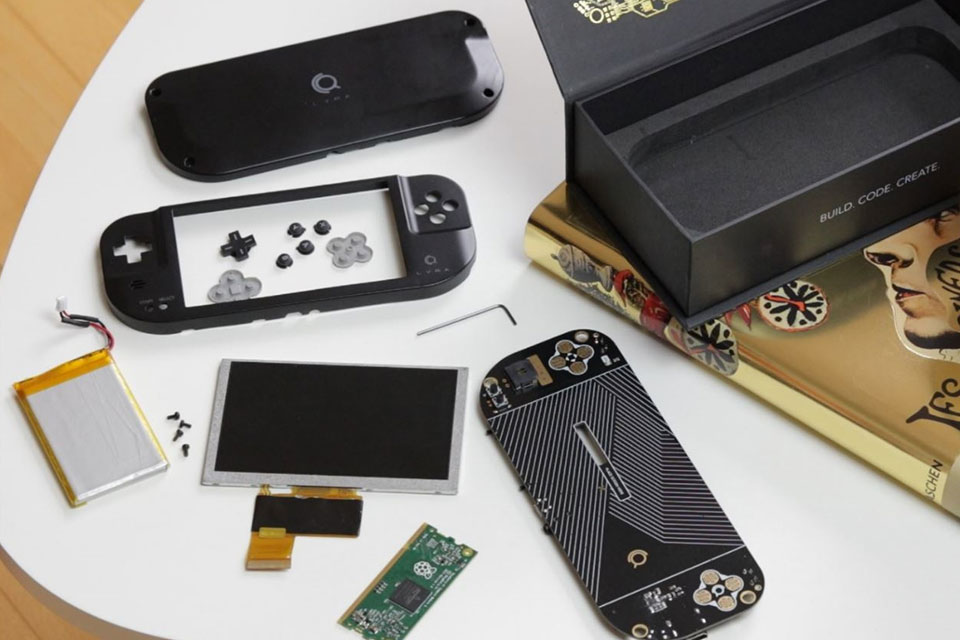 Lyra Retro Handheld Game Console