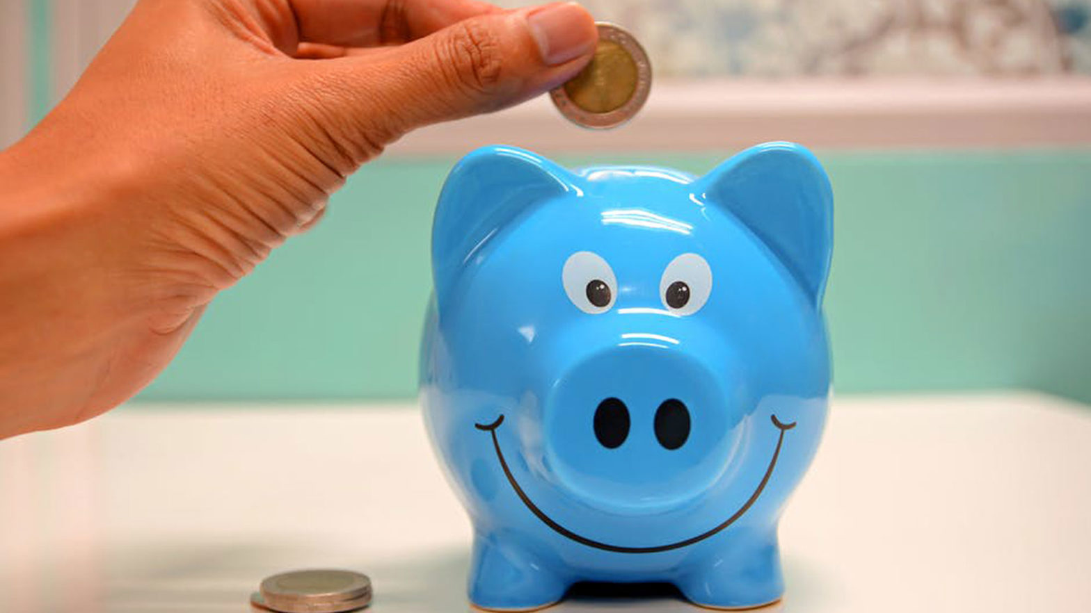7 Ways To Save Money On Tight Budget