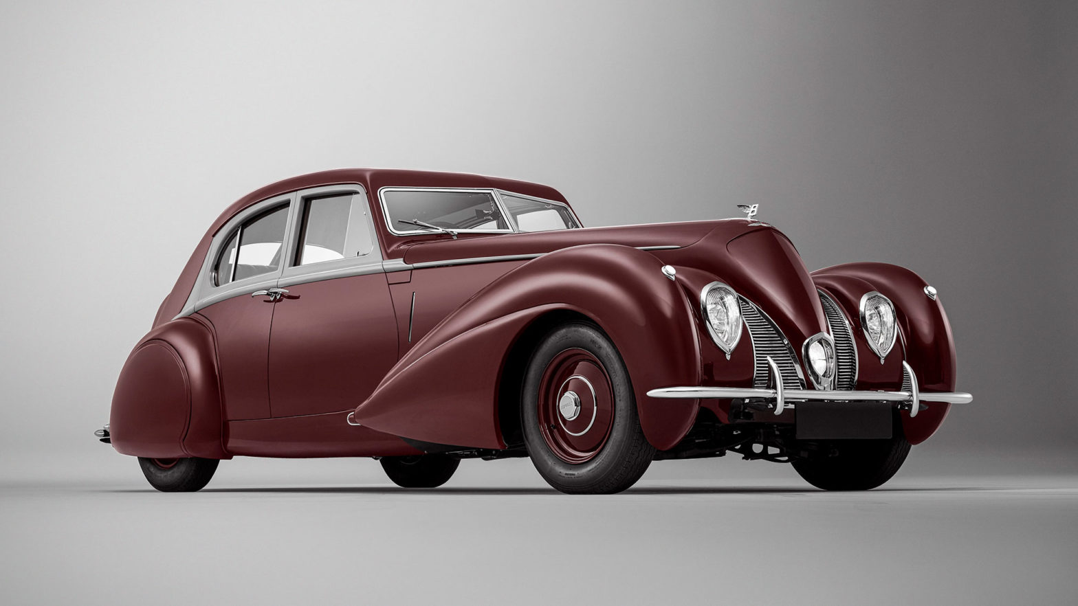 Rebuilt 1939 Bentley Corniche by Mulliner