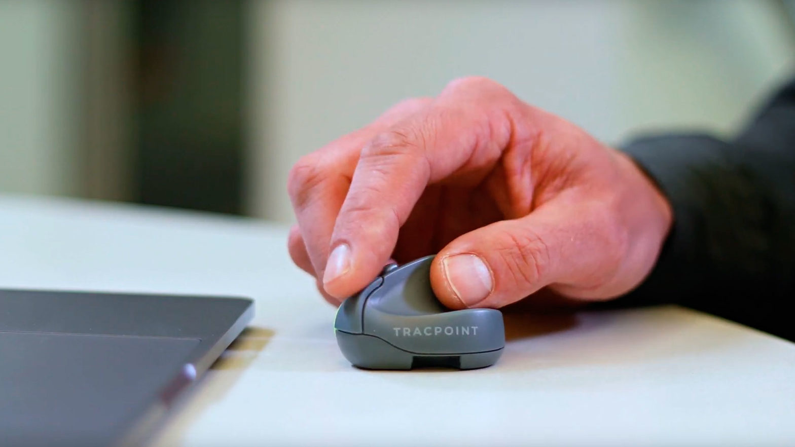 TRACPOINT Travel Mouse and Presenter