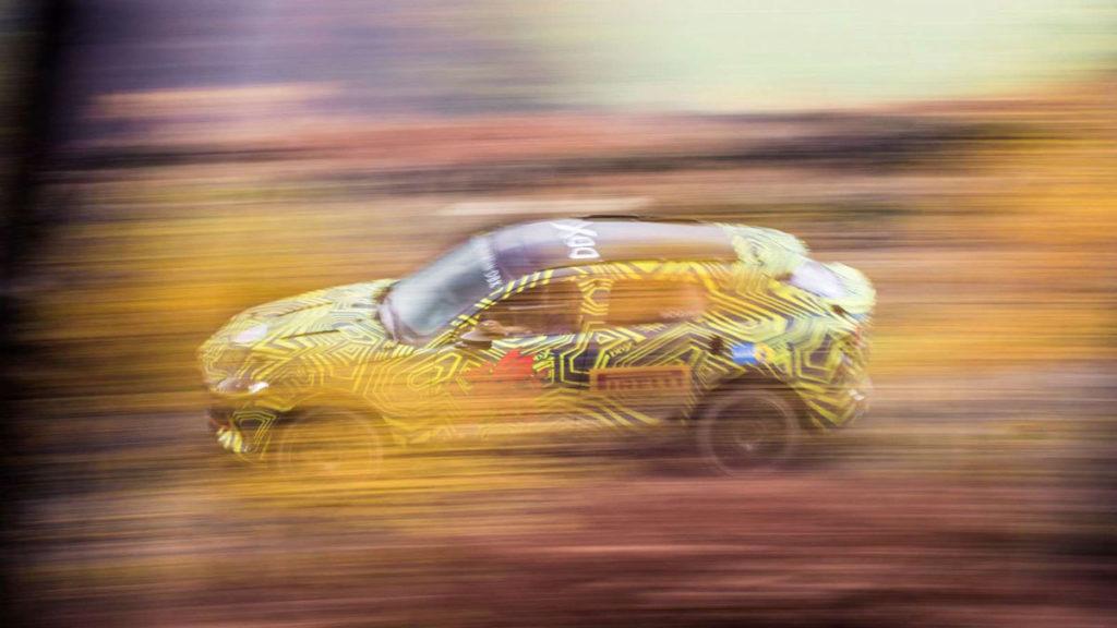 Aston Martin DBX SUV Grille