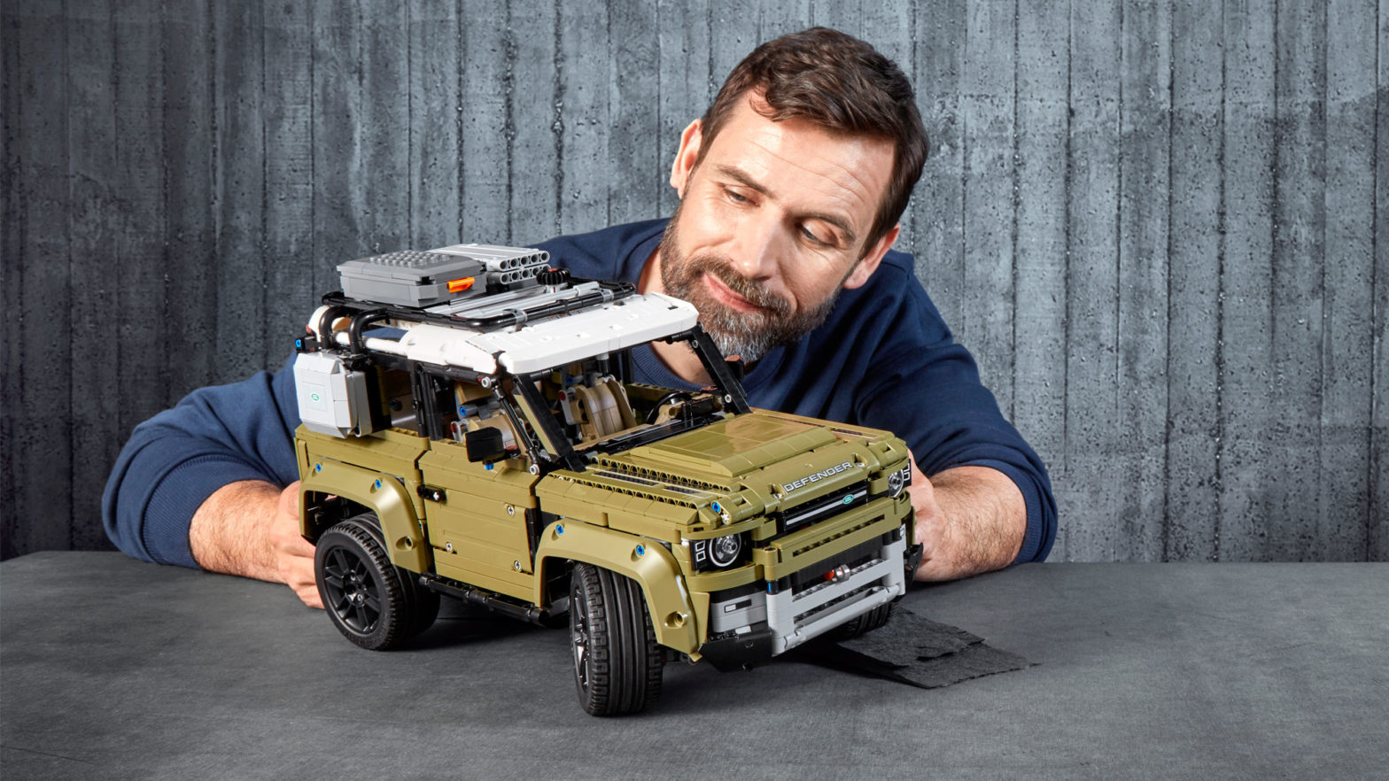 LEGO Technic 2020 Defender