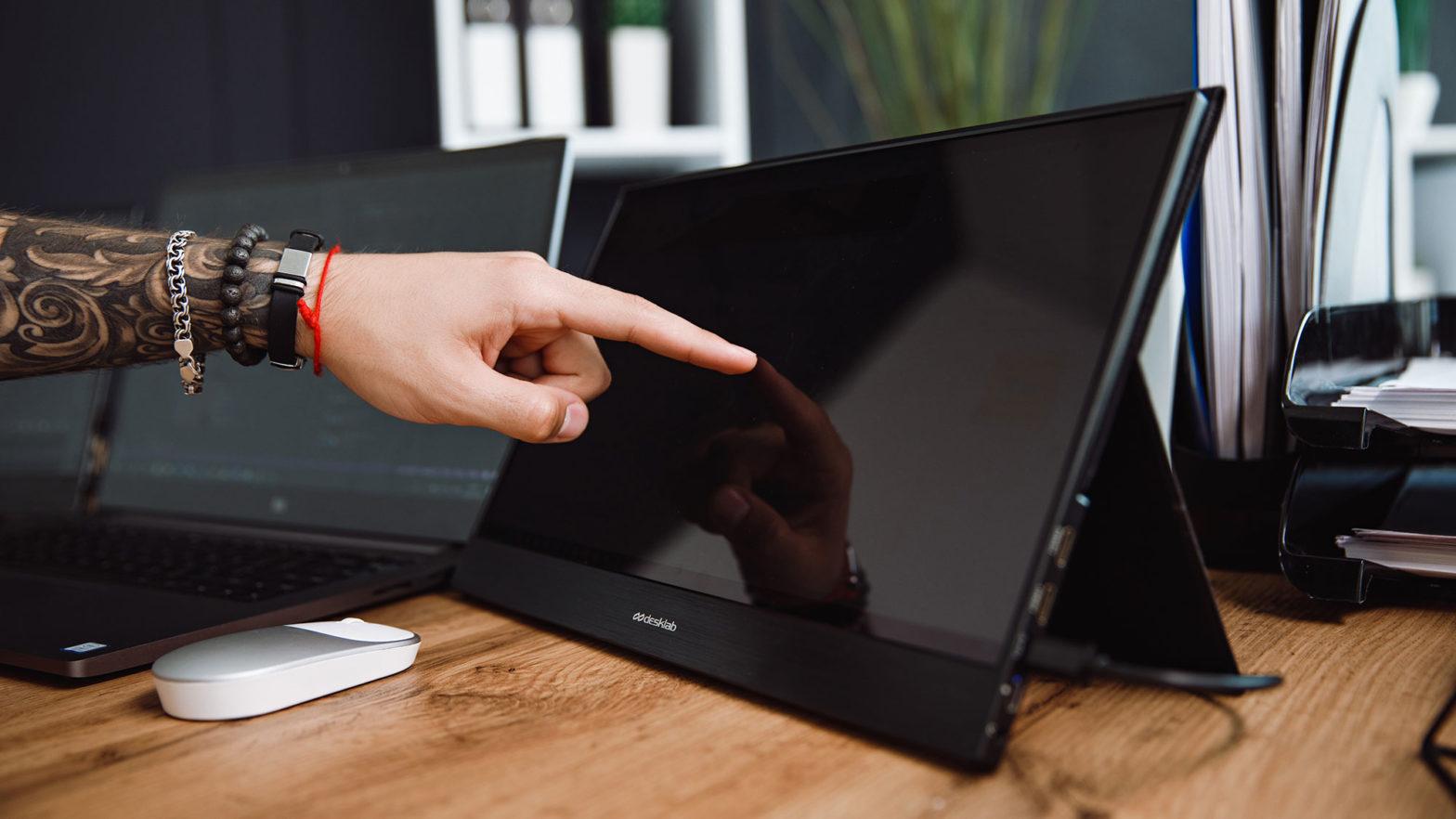 DeskLab Portable 4K Touchscreen Monitor