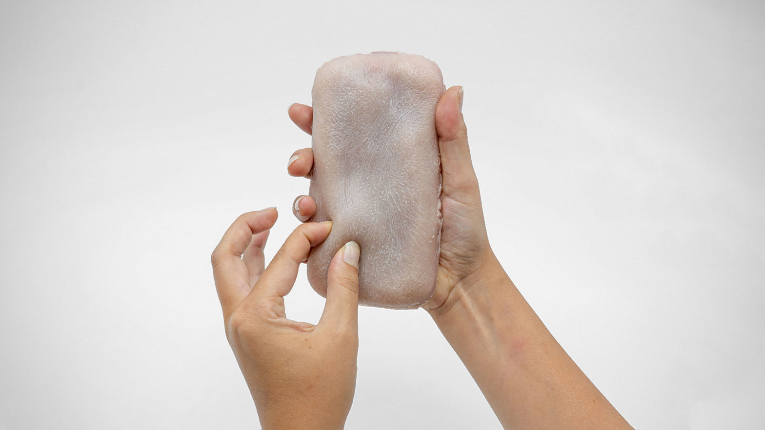Skin-On Artificial Skin for Mobile Devices