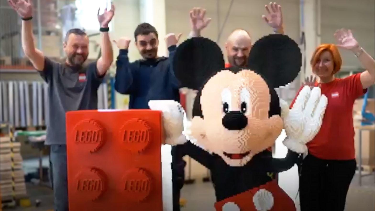58000-piece LEGO Mickey Mouse Sculpture