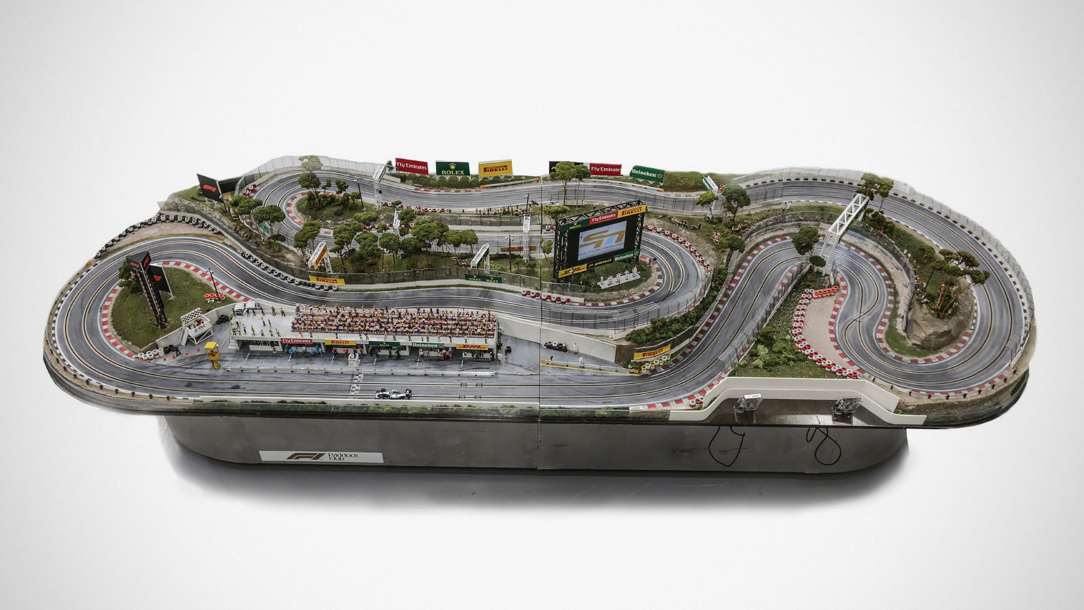 Formula 1 Slot Car Racetrack Auction