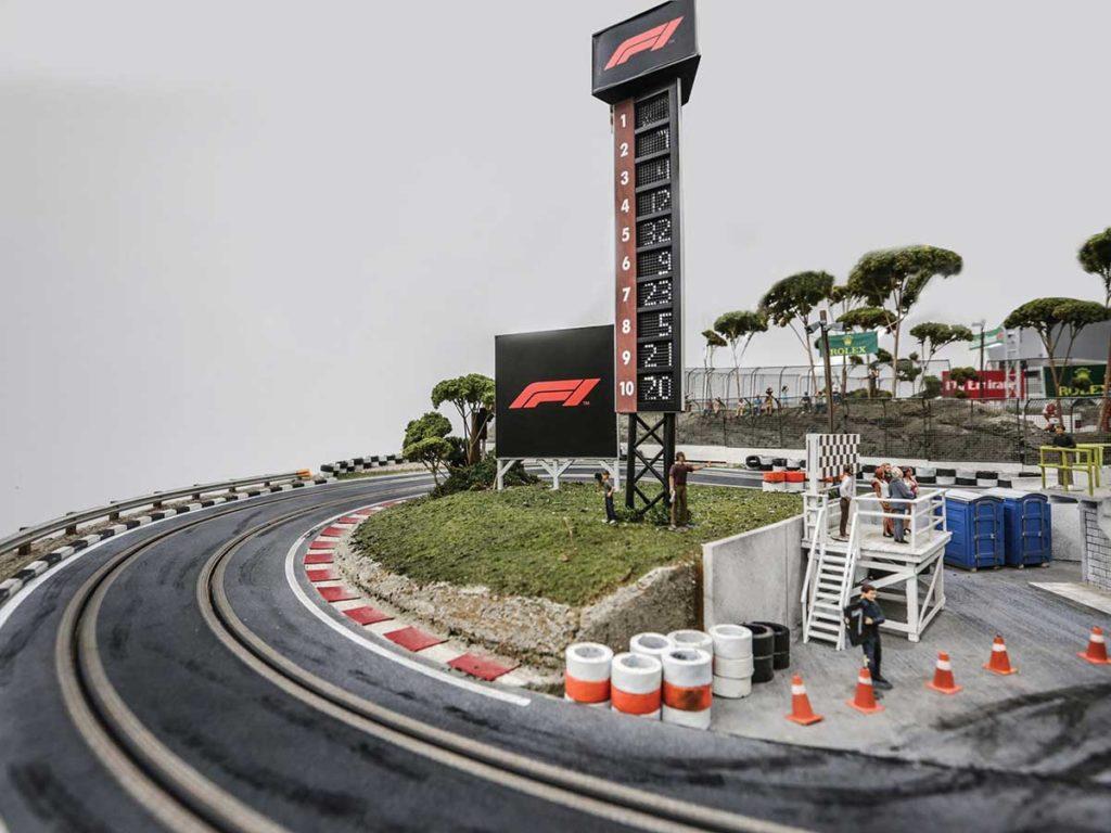 Formula 1 Slot Car Racetrack Auction