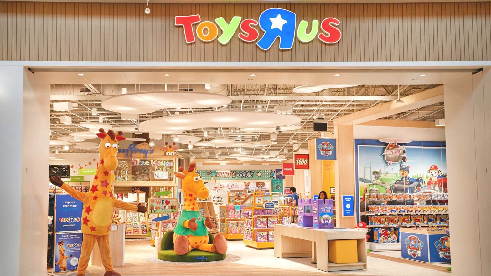 Toys R Us Reopens In U.S. Under New Company