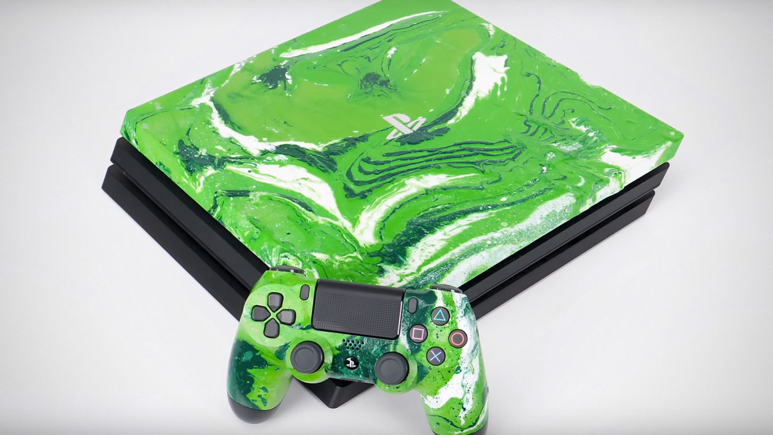 Custom Look PS4 Pro with Hydro Dipping