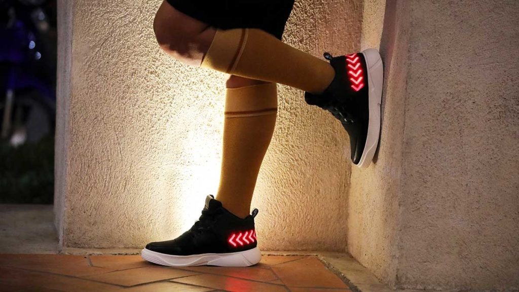 E-Sneakers Flexible LED Display Sneakers