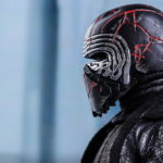 "The ""Cracks"" On This <em>Star Wars: The Rise Of Skywalker</em> Kylo Ren Figure Glows Red"